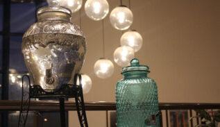 come fare una lampada con bottiglie e barattoli