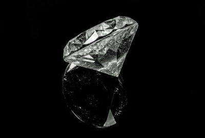 Differenza tra zircone, brillante e diamante